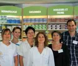 équipe des pharmaciens et des préparateurs de la pharmacie de bourgneuf en retz